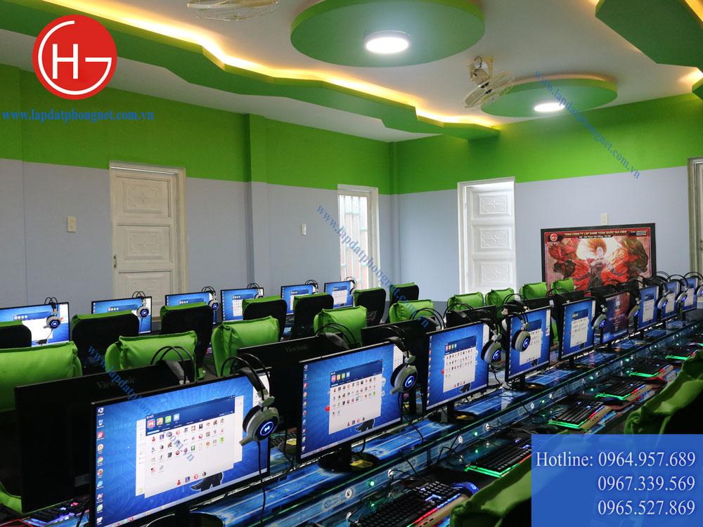 Mẫu phòng game net tông màu xanh sang trọng, đẳng cấp - 08